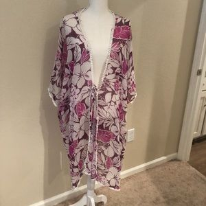 Ladies Light Wrap With Sleeves!
